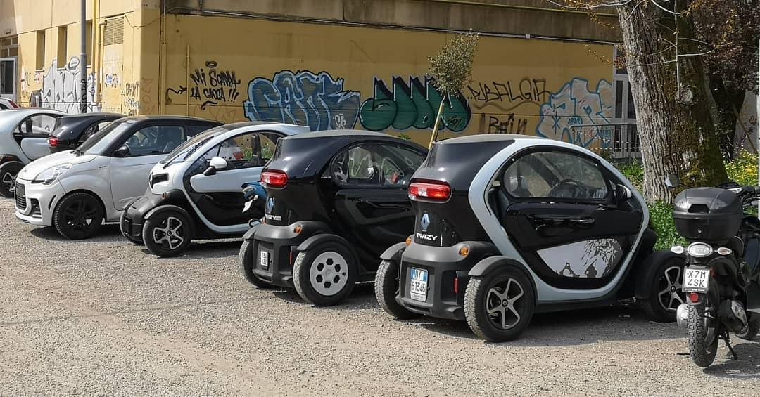 Loving Italian kids school transport choice